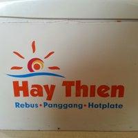 Foto tirada no(a) Hay Thien por Eric E. em 9/8/2012