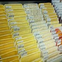 Photo taken at Arco Iris Supermercado by Energias R. on 5/15/2012