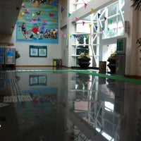 Photo taken at Ho Man Tin Swimming Pool 何文田游泳池 by Ricky K. on 3/3/2012