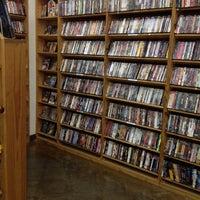Foto tirada no(a) Half Price Books por Beverly W. em 5/24/2012