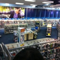 Photo taken at Best Buy by Jose Antonio on 8/12/2012