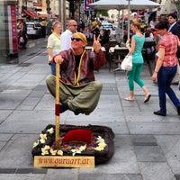 5/12/2012 tarihinde Giti K.ziyaretçi tarafından Kärntner Straße'de çekilen fotoğraf