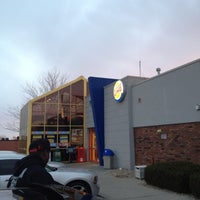 Photo taken at Burger King by Jawan S. on 2/19/2012