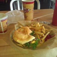 Photo taken at Jake's Wayback Burgers by Daniel E. on 3/18/2012
