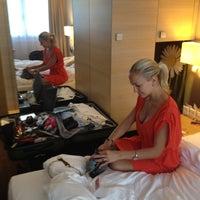 Das Foto wurde bei H+ Hotel Zürich von Elena S. am 6/16/2012 aufgenommen