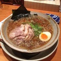 Photo taken at 越後秘蔵麺 無尽蔵 しながわ家 by Tomoki Y. on 8/16/2012