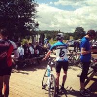 Das Foto wurde bei Colicci Roehampton Gate Café von Jeremy W. am 7/15/2012 aufgenommen