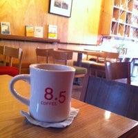 Photo taken at 8.5 COFFEE by eunjeong* on 4/23/2012