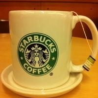 Снимок сделан в Starbucks пользователем Ricardo Toledo A. 8/8/2012