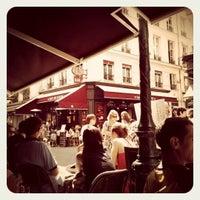 Photo prise au Au Rocher de Cancale par • Marion Crane • le6/30/2012