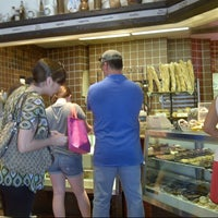 Photo taken at Croissant-Brioche by Daniel P. on 8/25/2012