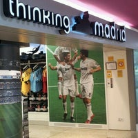 Photo taken at Thinking Madrid - Real Madrid by Jesús L. on 7/20/2012