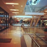 Foto tirada no(a) BH Shopping por Leandro M. em 3/25/2012