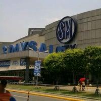Foto tomada en SM City San Lazaro por florencio j. el 4/14/2012