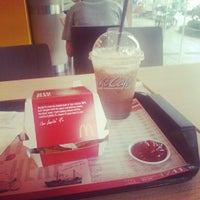 Photo taken at McDonald's & McCafé by Piti on 8/31/2012