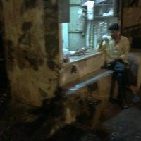 Photo taken at Anna Ki Tapri by Saiyesh M. on 7/19/2012