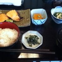 Photo taken at 赤坂 やしま by Taku 目. on 4/12/2012