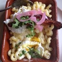 Foto tirada no(a) Griffintown Café por Gabrielle S. em 3/24/2012