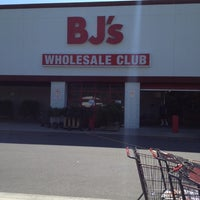 Photo taken at BJ's Wholesale Club by Kevin F. on 6/8/2012