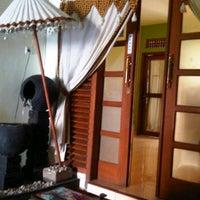 4/8/2012에 Nindiraswary님이 Aluna Home Spa (ex. Bala Bale Spa)에서 찍은 사진
