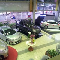 Photo taken at Toyota Ly Thuong Kiet by Mộng R. on 8/17/2012