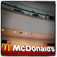Photo taken at McDonald's by yasuda0510 on 8/27/2012