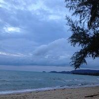 Photo taken at Nikki Beach Resort and Beach Club Koh Samui by jutarinee on 7/19/2012