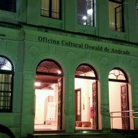 Foto tirada no(a) Oficina Cultural Oswald de Andrade por Humberto S. em 8/10/2012