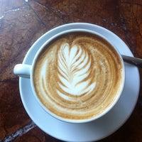 8/10/2012 tarihinde Emily B.ziyaretçi tarafından Espresso Vivace'de çekilen fotoğraf