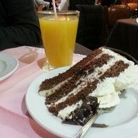 Foto tomada en Café Colonia por Cata C. el 7/22/2012