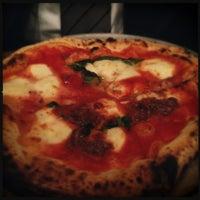 2/25/2012에 Donnasaur U.님이 San Matteo Pizza Espresso Bar에서 찍은 사진