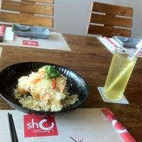 Foto tirada no(a) Sho por MoniQue A. em 9/3/2012