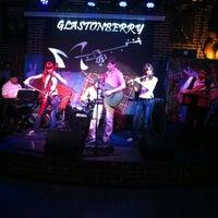 Foto scattata a Glastonberry Pub da Antonina D. il 5/19/2012