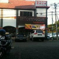 Photo taken at Intermedia kemang pratama by wibisono d. on 6/13/2012