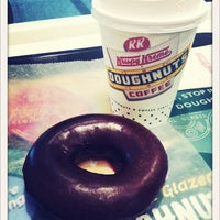 Photo taken at Krispy Kreme Doughnuts by ぽこにゃん on 2/22/2012