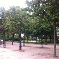 Foto tirada no(a) Jardins des Champs-Élysées por Jorge D. em 5/17/2012