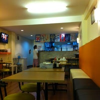 Photo taken at Korapura Ramen by Pookpui S. on 5/15/2012