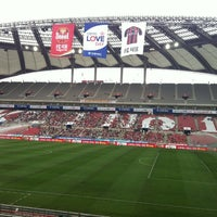 Photo taken at Seoul Worldcup Stadium by Ki Woong Y. on 8/18/2012