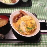 Photo taken at キッチン男の晩ごはん 三鷹店 by Kuroiwa T. on 3/31/2012