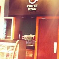 Photo taken at Coffee Town by Eduardo A. on 4/20/2012