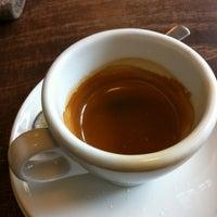 Das Foto wurde bei espresso-ambulanz von Rafael K. am 9/8/2012 aufgenommen