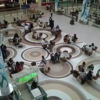 4/19/2012 tarihinde Timur Z.ziyaretçi tarafından Керуен / Keruen Mall'de çekilen fotoğraf