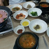 Photo taken at 하늘빛 우렁쌈밥 by Minjae y. on 9/9/2012