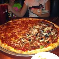 6/1/2012에 Adrienne S.님이 Papa Vito's에서 찍은 사진