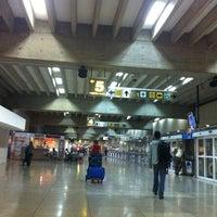 5/26/2012 tarihinde Temurziyaretçi tarafından Terminal Nacional'de çekilen fotoğraf