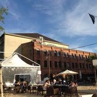 Das Foto wurde bei Sage Restaurant & Beach von Mark M. am 5/18/2012 aufgenommen