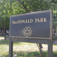 Das Foto wurde bei MacDonald Park von NYC Parks am 6/6/2012 aufgenommen