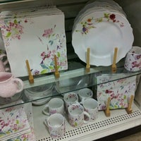 Photo taken at HomeGoods by TROY CLIFFORD H. on 2/11/2012