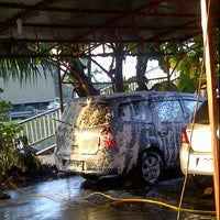 Photo taken at Cuci Mobil Rizkia Auto Care by Jeremy R. on 6/19/2012