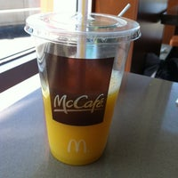 Photo taken at McDonald's by Ale on 7/11/2012